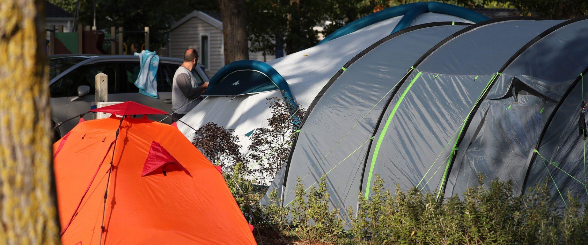 tentes nuits camping à saint gilles croix de vie