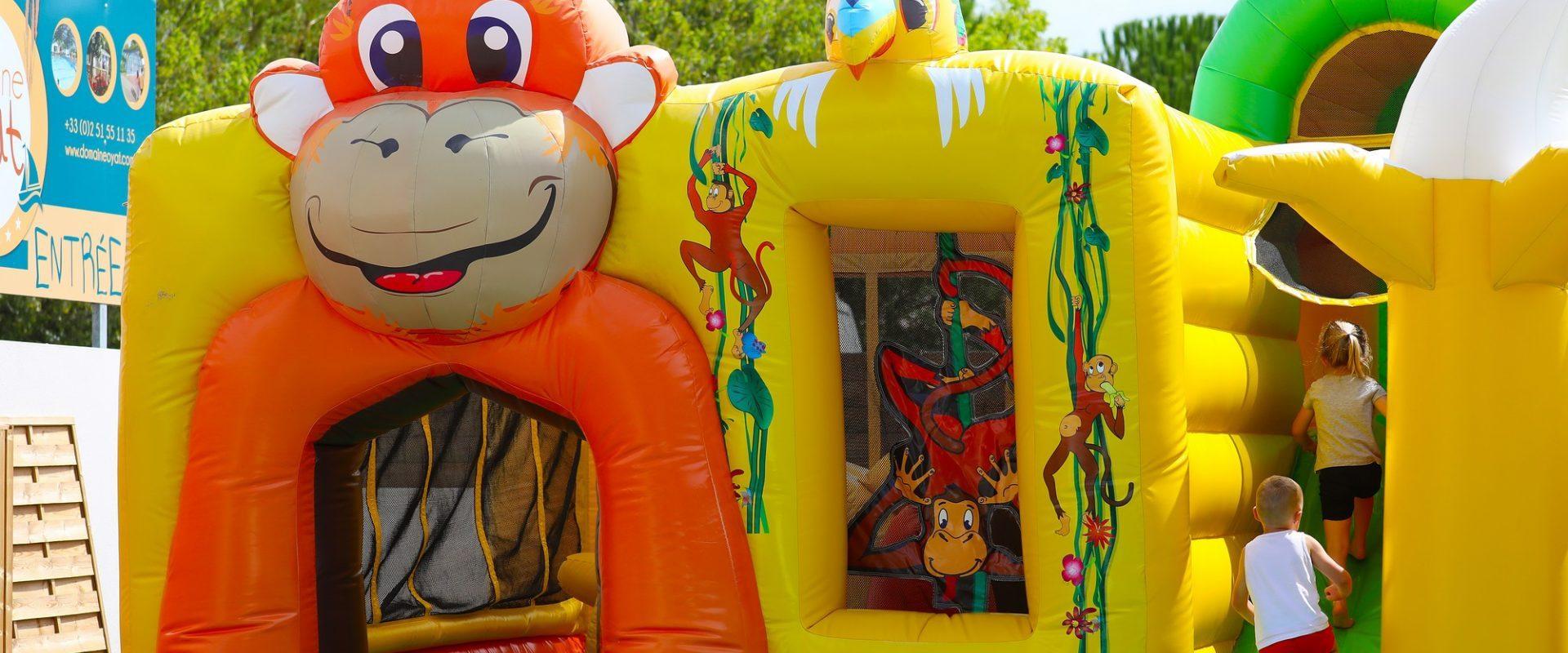 jeux gonflables camping saint gilles croix de vie