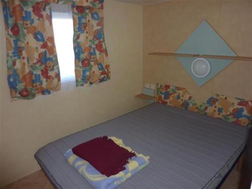 camping saint gilles croix de vie location mobilhome confort : chambre1