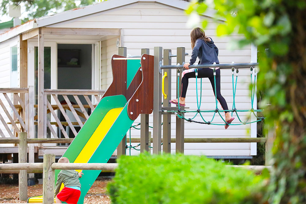 jeux enfants camping saint gilles croix de vie