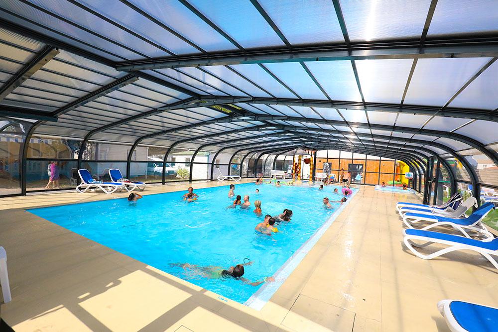 bassin couvert camping Saint-Gilles-Croix-de-Vie