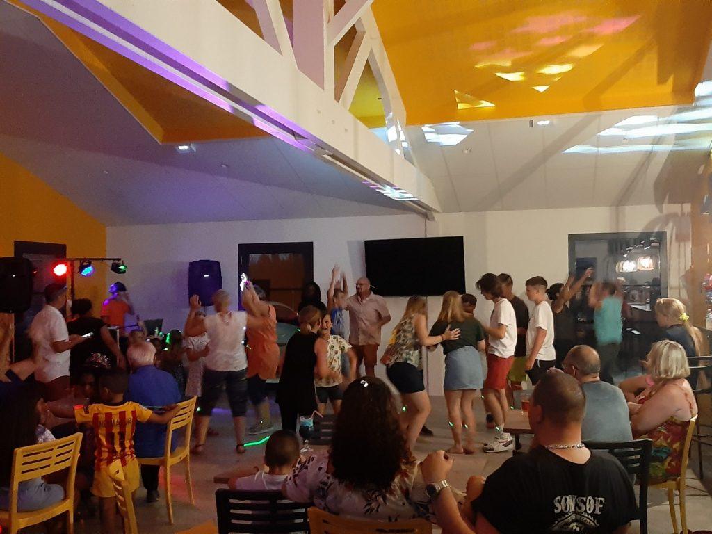 danse salle camping saint-gilles-croix-de-vie