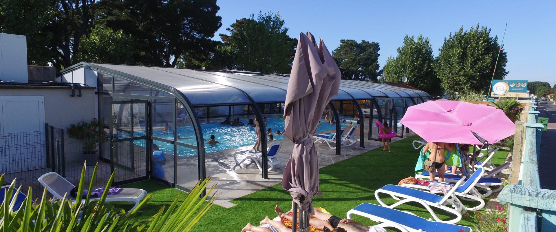 vue globale piscine couverte camping vendée