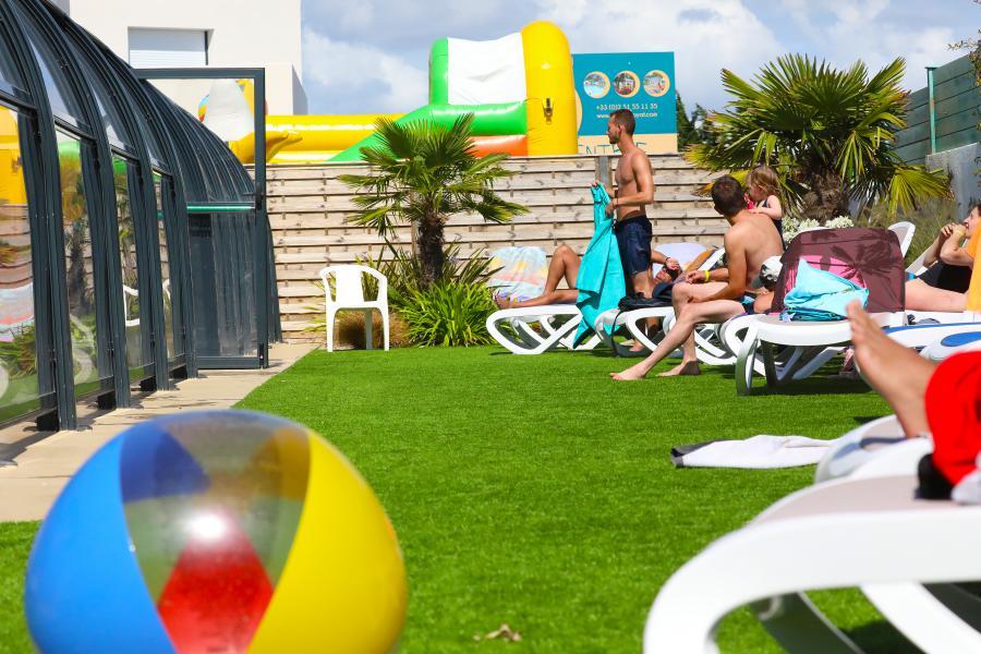 transats camping piscine couverte Saint-Gilles-Croix-de-Vie