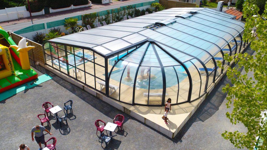 vue hauteur camping Saint Gilles Croix de Vie piscine couverte