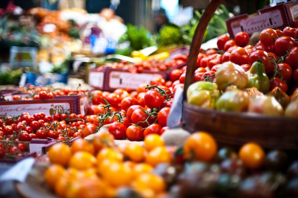 tomates marché saint-gilles-croix-de-vie